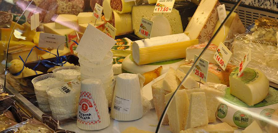 La Famille Joniaux de la Ferme de la Bruyère vend ses fromages artisanaux