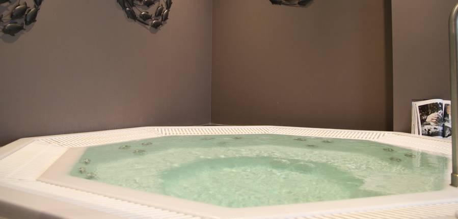 Rien de tel qu'un spa pour se détendre... Copyright S.Hennebique