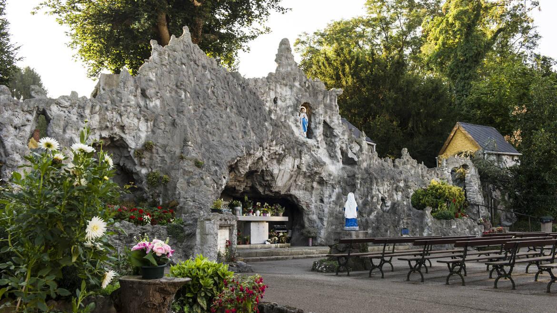 Quaregnon, door bergen en door grotten (Quaregnon)